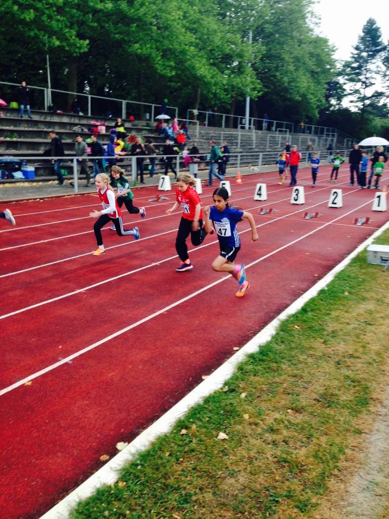 Clara Büyükdag beim 50mLauf - Lehrte 2015